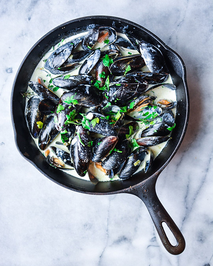 Easy Classic French Mussels - The Blog Societies