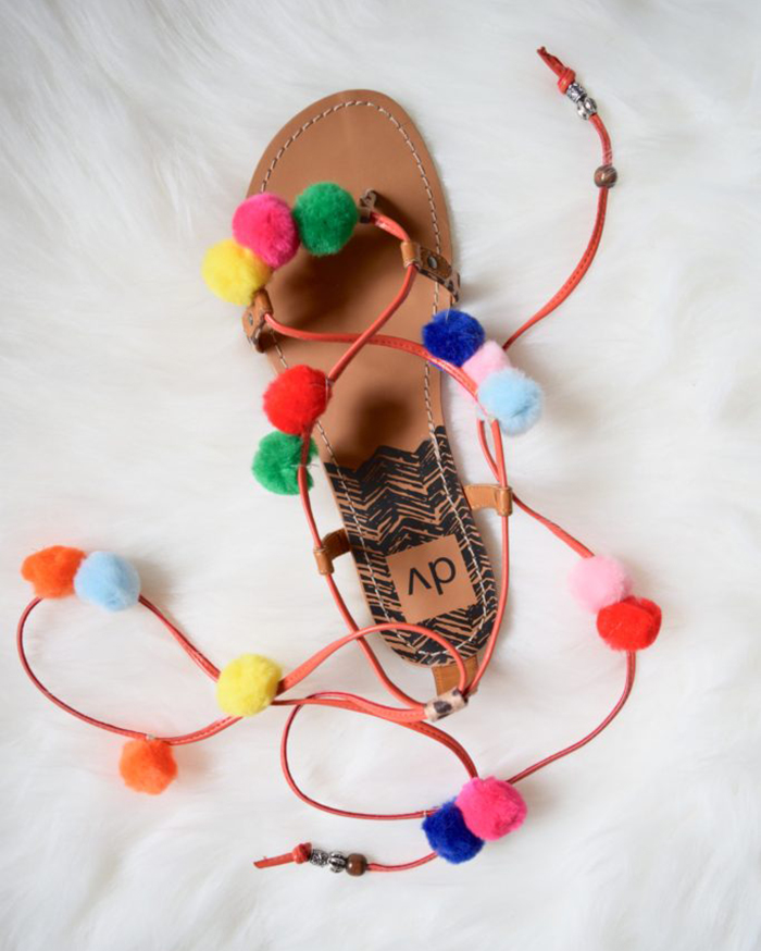 DIY Pom Pom Sandals - The Blog Societies