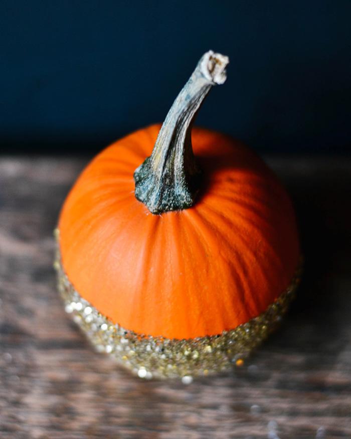 DIY Dip-Dye Glitter Pumpkins - The Blog Societies