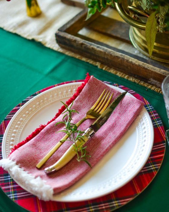 A Holly Jolly Tablescape