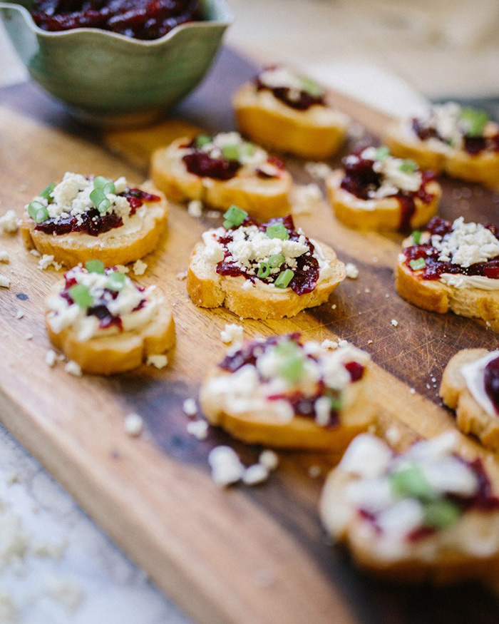 Spicy Cranberry Chutney and Cheese Crostini - The Blog Societies