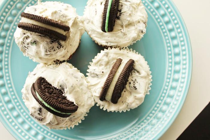 Southern Blog Society - Oreo Stuffed Cupcakes