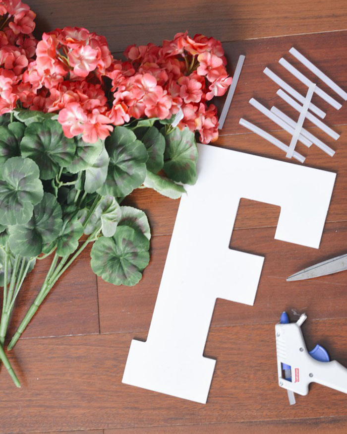 DIY Floral Letter - The Blog Societies