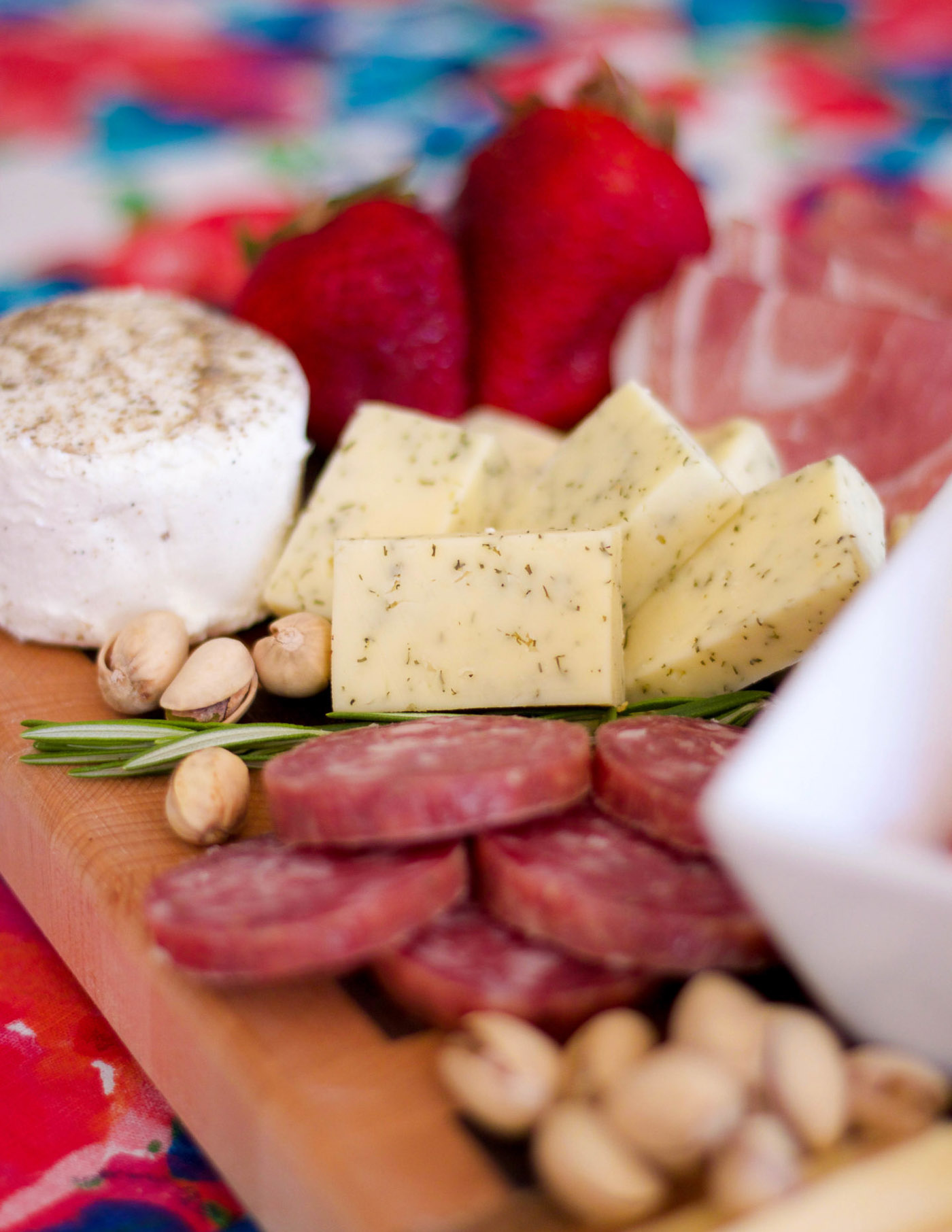 how to make an easy meat and cheese board