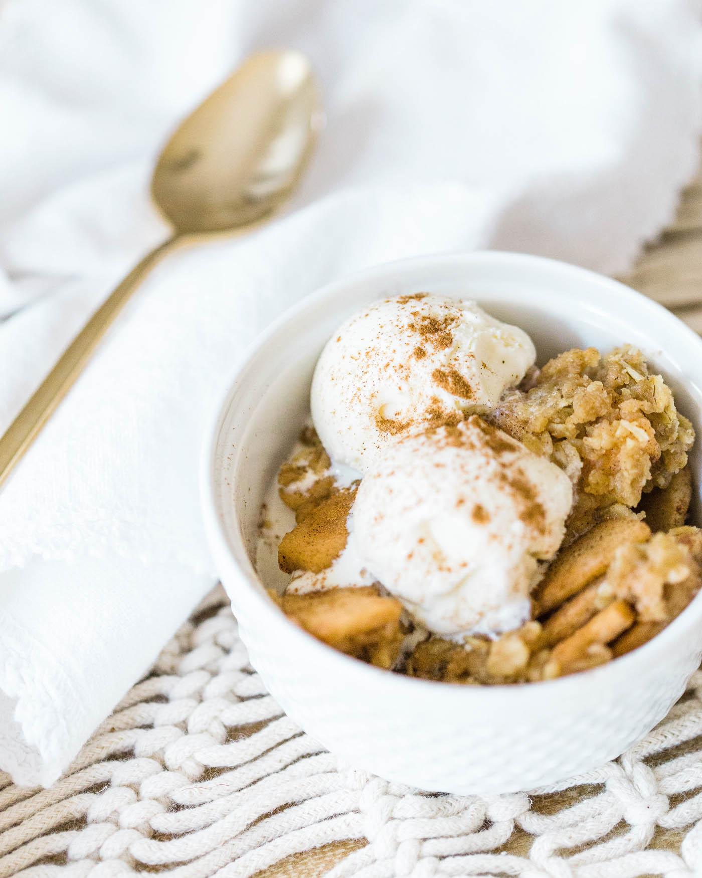 slow cooker apple crisp recipe - The Blog Societies